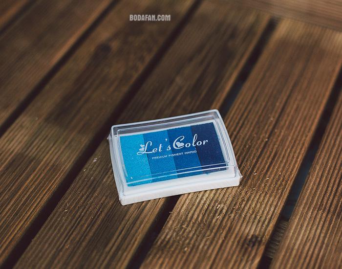 tintas-colores-dedos-huellas-azul