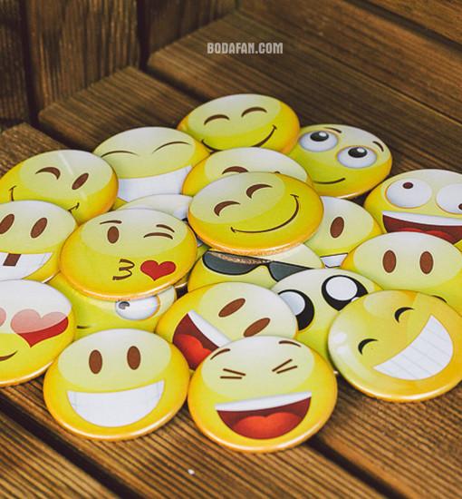 chapas-caretos-emoticones-bodas01