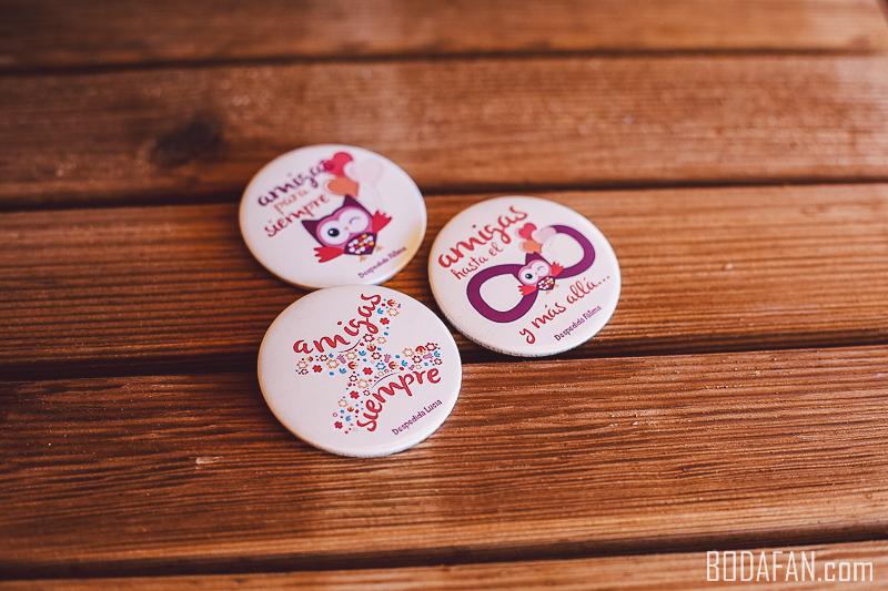 chapas-amigas-bodas-personalizadas3