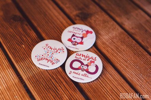 chapas-amigas-bodas-personalizadas4
