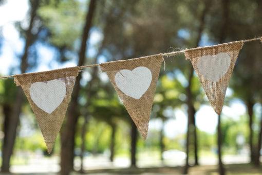 banderola-corazones-bodas-rafia5