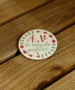 chapas-personalizadas-nombres-bodas-1
