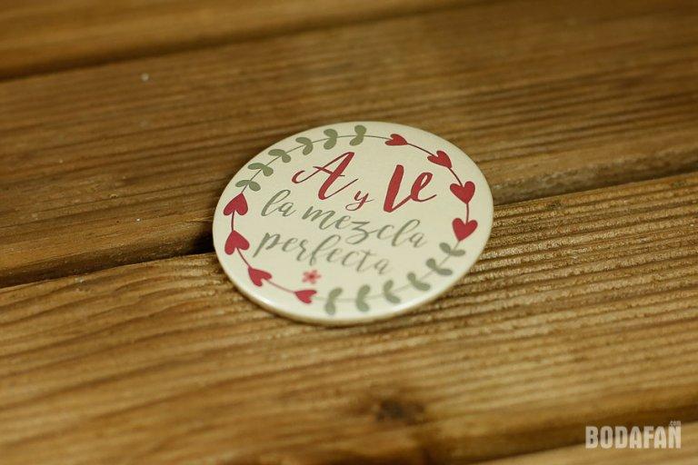 chapas-personalizadas-nombres-bodas-3