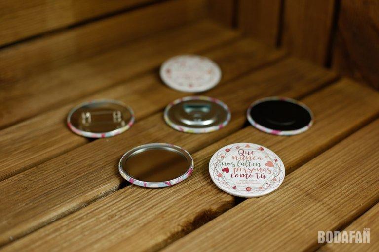 chapas-regalo-bodas-invitados-4