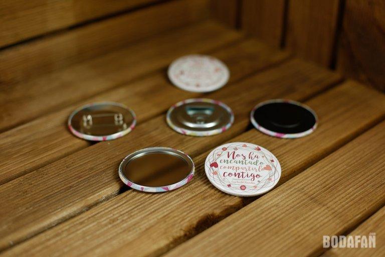 chapas-regalo-bodas-invitados-5