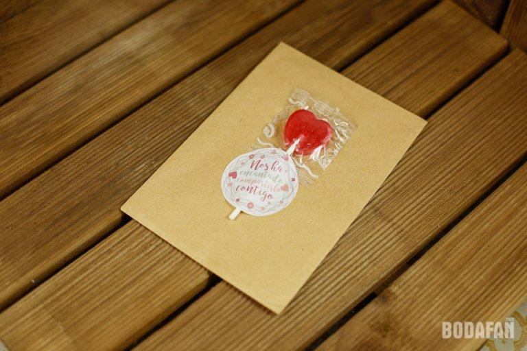 pegatinas-para-regalos-de-bodas-2