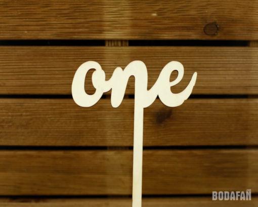 meseros-numeros-originales-madera-bodas-1