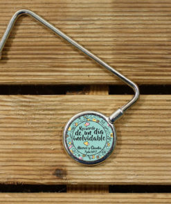 cuelgabolsos-personalizados-para-bodas-recuerdo-verde1