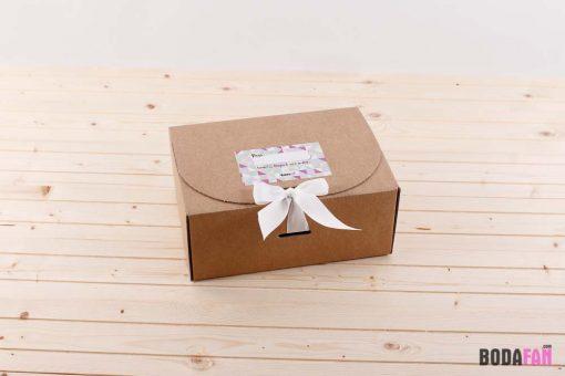 caja-forma-entrega-detalle-boda-personalizado-1